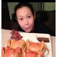斯文刘若英一顿饭吃8只大闸蟹