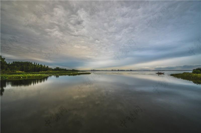 雨季的阳澄湖