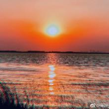 摄影人青山依旧在,  几度夕阳红…… #苏州·阳澄湖[地点]# 