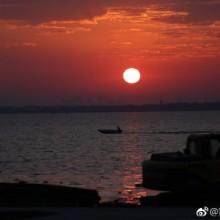 阳澄湖 的朝阳与夕阳,你能分辨出哪个是朝阳、哪个是夕阳吗? 
